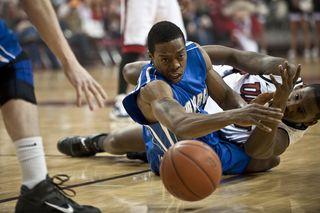 Athletes-ball-basketball-2355