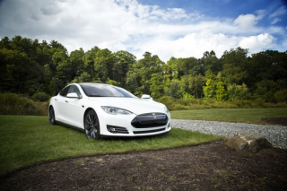 Tesla pexels-photo-38155-medium