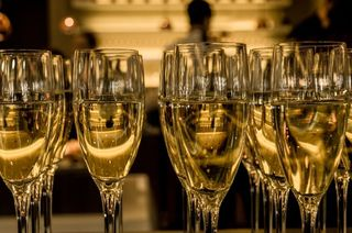 New-year-s-eve-ceremony-champagne-sparkling-wine-medium