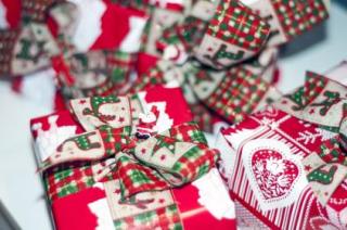 Stocksnap christman presents