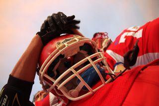 Football-game-helmet-1268-525x350