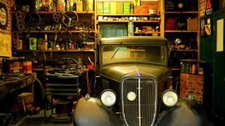 Garage clutter pexels-photo-190537