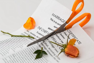 Divorce-separation-marriage-breakup-split-39483 (1)